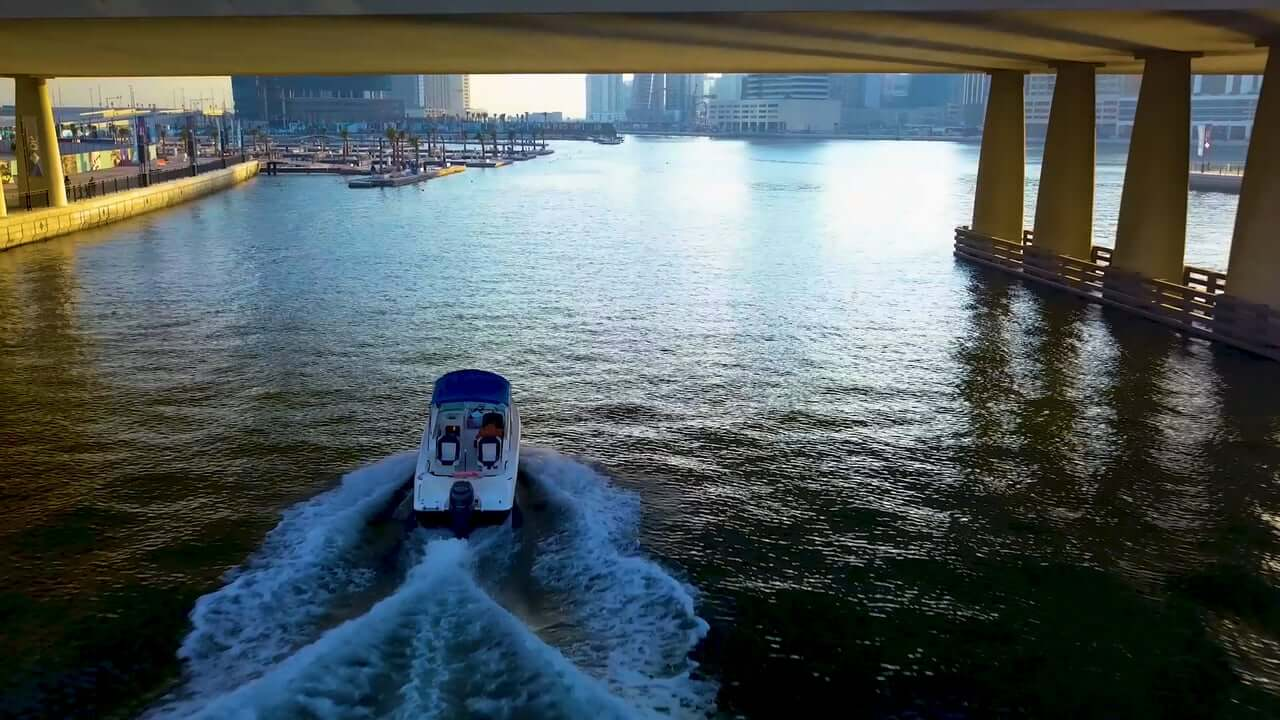 CANAL SPEED BOAT